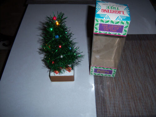 RARE VTG ADORABLE LIGHT UP ALUMINUM TINSEL MINIATURE CHRISTMAS TREE IN BOX