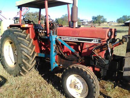 International 885 Rops Tractor