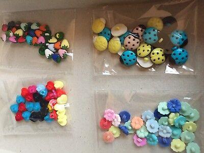 Lotto 110 bottoni per bambini assortiti per tipo e colore
