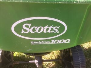 Scott's Speedy Green 1000 rotary spreader