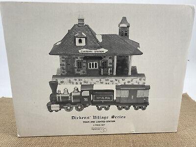 DEPT 56 Dicken's Village Series Train & Lighted Station in Box 4 Price Set 1986