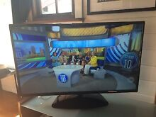 47.5 Led Hd Tv White Gum Valley Fremantle Area Preview