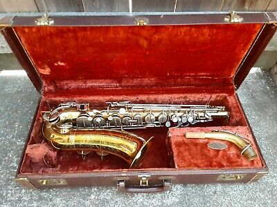 THE MARTIN INDIANA ALTO SAX.1955. IN VERY GOOD PHYSICAL CONDITION.