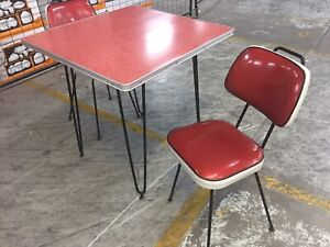 Retro cafe dining table and 2 retro sparkle chairs