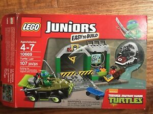 Lego junior 10669 turtle lair