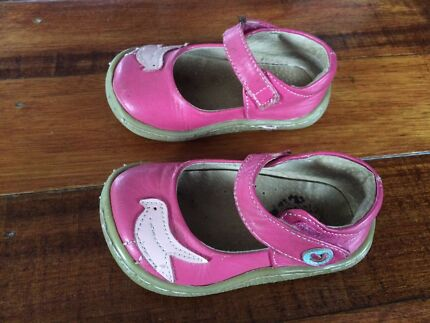 Livie & Luca pink leather shoes (USAsize 5)