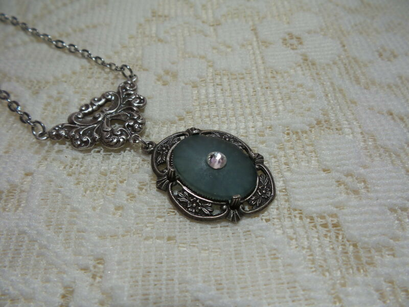 """HANDMADE VINTAGE BLUE SUNRAY CRYSTAL FROSTED CAMPHOR GLASS NECKLACE 20"""""""