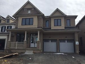 House for Rent in Heart of NiagaraFall 4+1 Beds