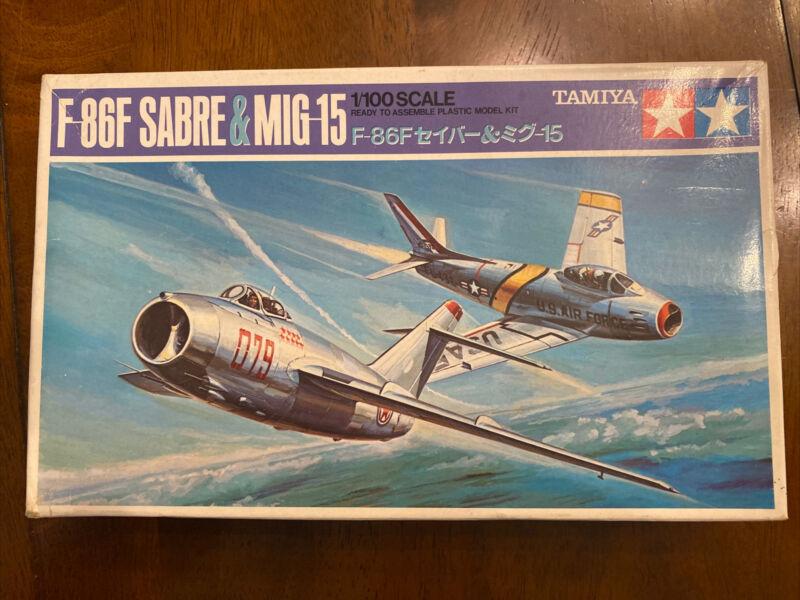 Vintage Tamiya PA1022-225 F-86F SABRE & MIG 15 1/100 Scale