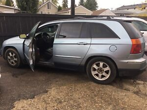 2004 Chrysler Pacifica AWD Loaded