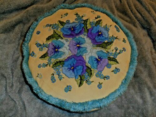 Vintage Lee Wards PANSY PRETTY Crewel Embroidery Pillow COMPLETE finished