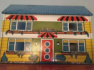 Vintage doll house.  Kingston Kingston Area image 1