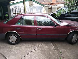 Mercedes 260e Carlton Melbourne City Preview