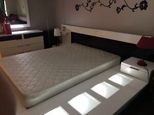 White bed set