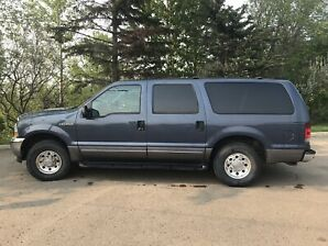 2003 Ford Excursion XLT  Low Miles