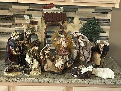 Members Mark Holiday Collection 2007 13 Pc. Hand Painted Porcelain Nativity Set