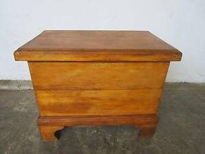 C44039 Vintage Pine Metal Ice Chest Trunk Cooler Coffee Table Mount Barker Mount Barker Area Preview