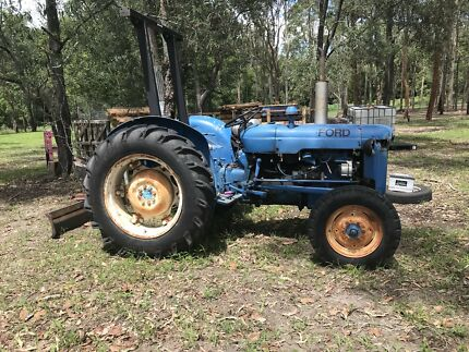 Fordson Dexta Tractor Tamborine Ipswich South Preview
