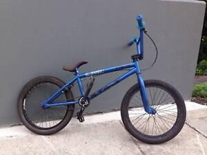 BMX bike Subrosa Hells on Wheels Blue