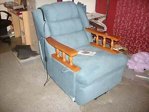 electric lift chair & recliner Torndirrup Albany Area Preview