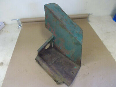John Deere Mt Left Foot Rest Am933t