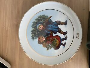 Christmas plate  series first addition