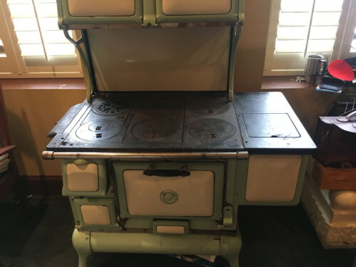 Antique Wood Fired Cooking stove, Montgomery Ward Trojan E84 4K