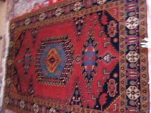 Beautifull Hand Knotted Persian Rug About 40 Years Old
