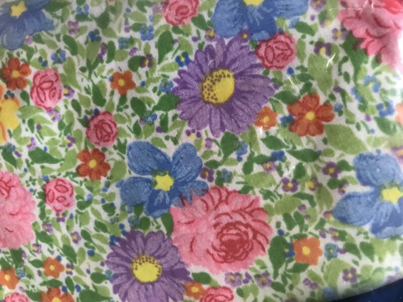 """Floral Print King Size Fitted Sheet 198"""" X 203"""" 50/50 Cotton Poly Blend NOS"""