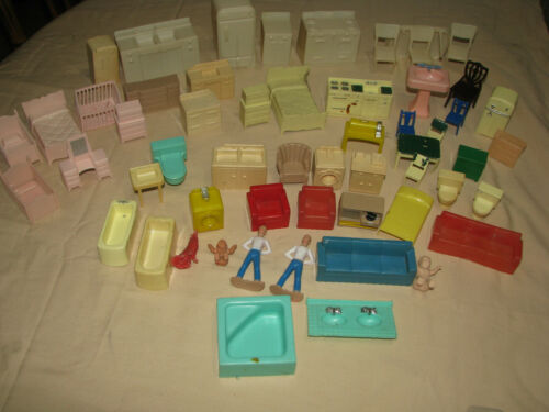 Vintage 60pc Plastic Dollhouse furniture - Marx RENWALL Unmarked  Lot - Used