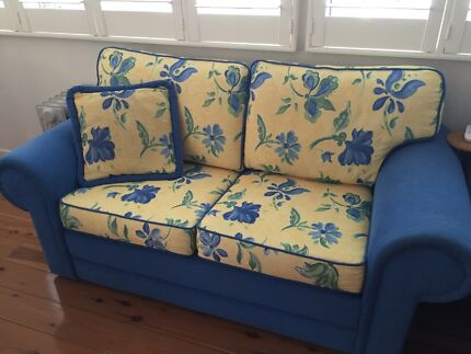 Lounge suite 2 and 2.5 Seater  Molendinar Gold Coast City Preview