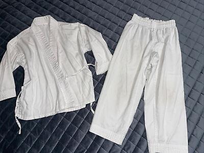 Kids Youth size 5 martial arts kung fu karate uniform 00/120