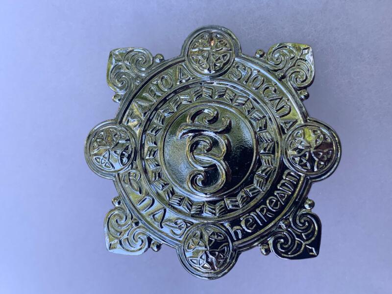 Vintage / Obsolete Garda cap Badge Irish police cap badge Metal