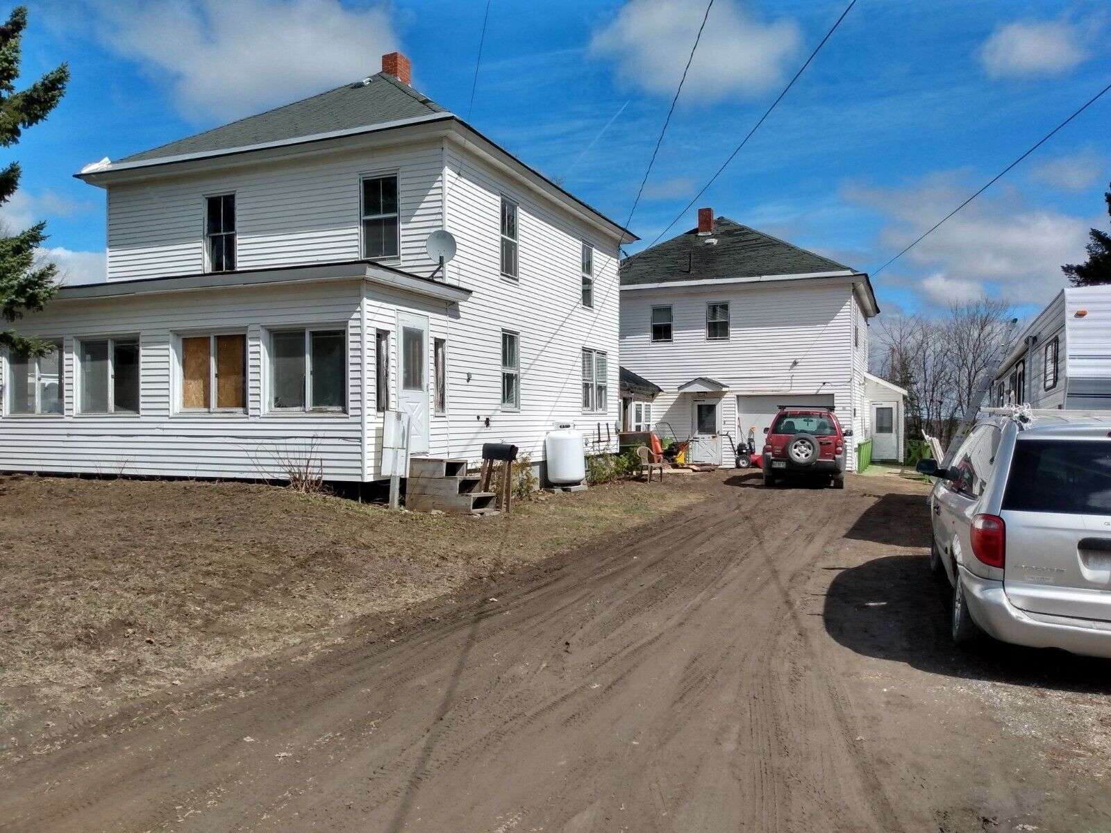 Beautiful Northern ME 7br 3 Bath Home W. Apartments  - $15,200.00