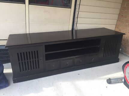 Solid Tv unit  Maryland 2287 Newcastle Area Preview