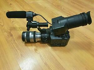 SONY FS100 + 18-200MM Lens *urgent sell Perth Perth City Area Preview