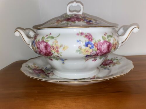 Favolina Tureen with Under Plate, Ladle, Lid Poland