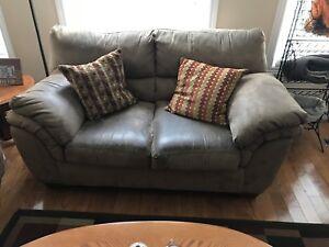3 piece livingroom set - Couch, Loveseat & Recliner
