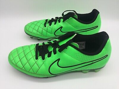 Nike Tiempo Soccer Shoes Men's Size 8 Green