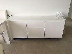 Linen cupboard Docklands Melbourne City Preview
