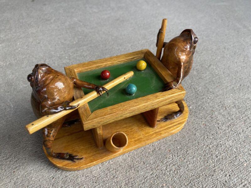 Vintage 1950ish Taxidermy Frogs Pool Billiards Pen/Toothpick Holder Near Mint!