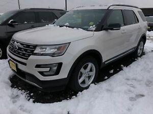 2016 Ford Explorer XLT, Leather, Panoramic Sunroof, 4x4, 29, 000