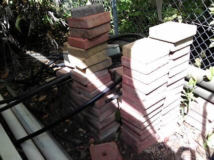 Pavers. Red. 19 x 19 x 5.5 cm Malak Darwin City Preview