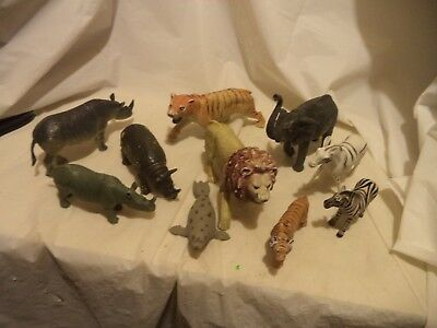 Lot of 10+ Plastic Wild Animals / Figures : Mostly African