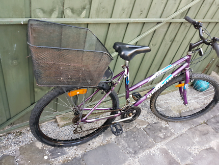 Womans 26inch bicycle and carry basket