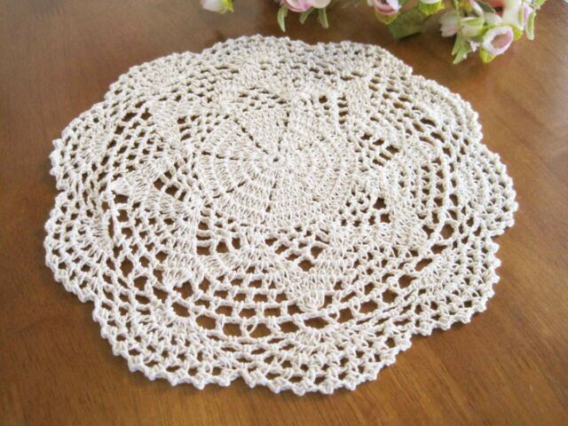 Vintage Style Floral Hand Crochet Cotton Beige Doily NEW B
