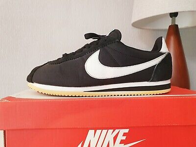 Mens Nike Cortez trainers size 8