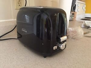 Black Sunbeam Toaster (less than 6 months old)
