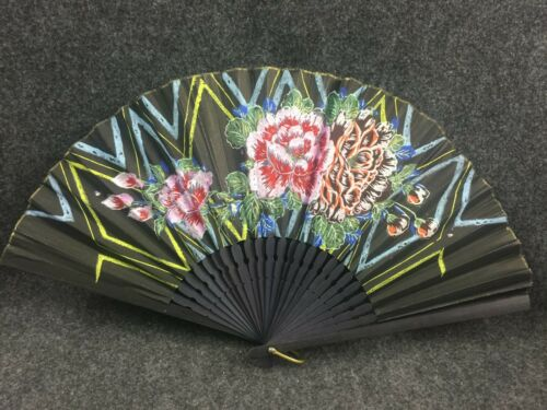 VINTAGE HAND PAINTED JAPANESE FAN WITH PAINTED FLOWERS