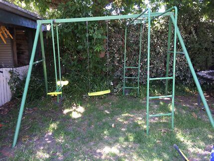 Children's Outdoor Swing Set